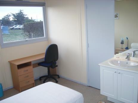 h bergement a ropyr n es formations a ronautiques. Black Bedroom Furniture Sets. Home Design Ideas